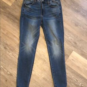 American Eagle Jeans Size 8 Short